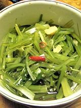 20060403ワカメの茎のお料理1