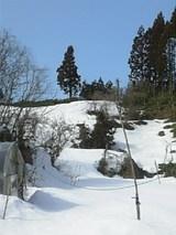 20060304雪解けの山1