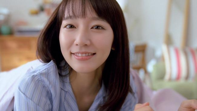 【悲報】吉岡里帆さん、某女性向け匿名掲示板で過去最高に叩かれまくる