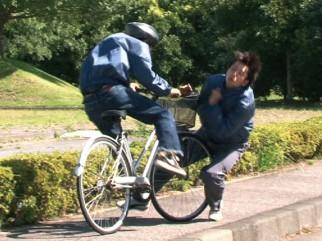 【悲報】裁判所「自転車でババアを轢いた小学生に有罪判決、9500万円払え」