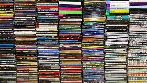 pile-of-cd
