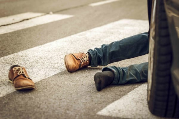 女さん「はねた私も悪いけど車来てるのに急に横断歩道渡るあなたも悪い