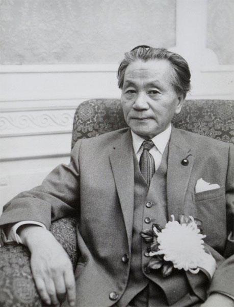 【緊急速報】 山根明「俺は密入国した在日韓国人だ 強制送還されたこともある 何が悪い」などと激白