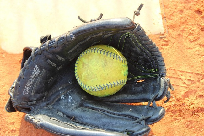 softball-739982_960_720