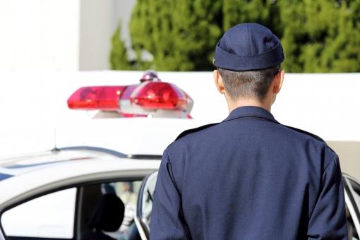 警察コンコン「すみませーんちょっといいですか~?」ぼく「(えっ!?何がばれたんだ…)はい…」