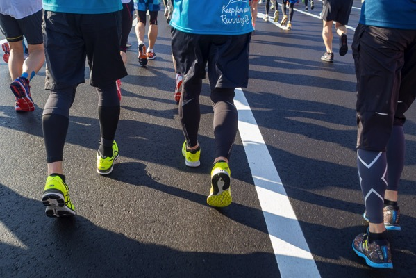 【草】小池百合子ちゃん「マラソン用の遮熱舗装道路工事に300億以上かけました。IOCさんどうしてくれるの?」