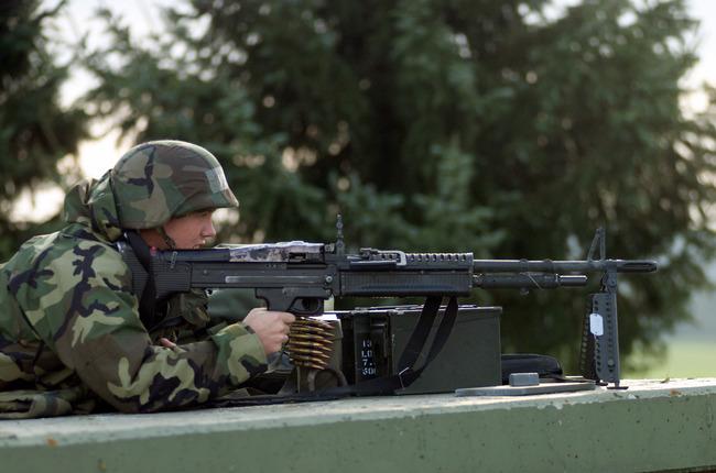 M60_machine_gun_DF-SD-04-09907