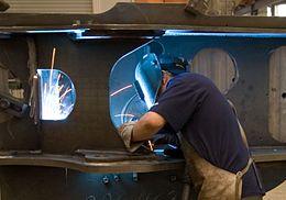 Semi_automatic_welding_001