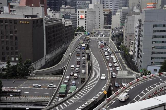 首都高運転するのって、田舎民には難易度高い??