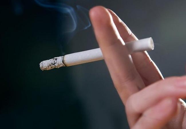 【悲報】10/1からタバコ一箱510円!来年から全面禁煙本格化で飲食店を中心に吸えなくなる