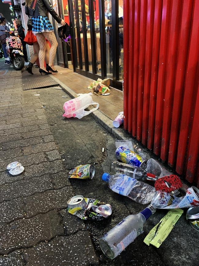 garbage-shibuya-halloween11