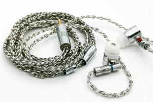 「JSHiFi-ZB8」 メタリック感あふれるシルバーのゼブラデザイン。リケーブル効果も得やすく低価格で使い勝手の良い8芯銀メッキ線ケーブル【レビュー】