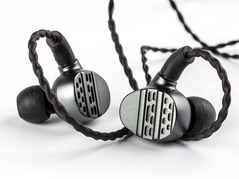 KB EAR Hi7