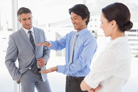 日本人部下「報告!連絡!相談!」 外国人上司「なんで細かいことまで報告するんだ?効率悪すぎだろwww」こればっかりは難しい問題だよな……