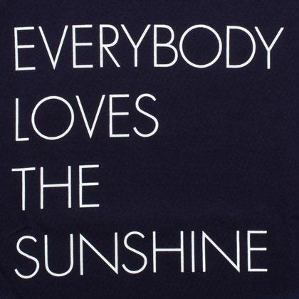 APPLEBUM-EVERYBODY-LOVERS-THE-SUNSHINE-T-SHIRT-BLOG3