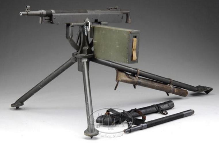 1890年-1891年にアメリカで開発された重機関銃 コルト・ブローニングM1895とは