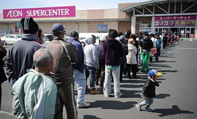 なぜ日本人は無宗教なのに列に並んだり社会規範を守る意識が高いのか