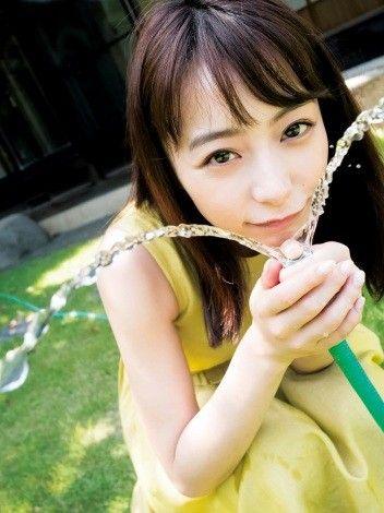 【画像】宇垣美里アナのグラビア可愛すぎるwwwwwww
