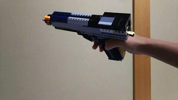 レゴで作った銃がすごすぎる!