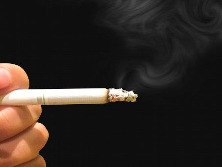 大阪府職員、喫煙で2000回以上、抜け出してサボる。当然懲戒処分