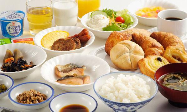 ビジホの朝食バイキングで微妙って分かってるのに、つい手が伸びてしまう食材wwwwwwwwwwwwwwww