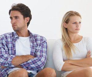 胃がんの疑いの為内視鏡検査をする事になったんだけど、それを報告してから夫に避けられていて…