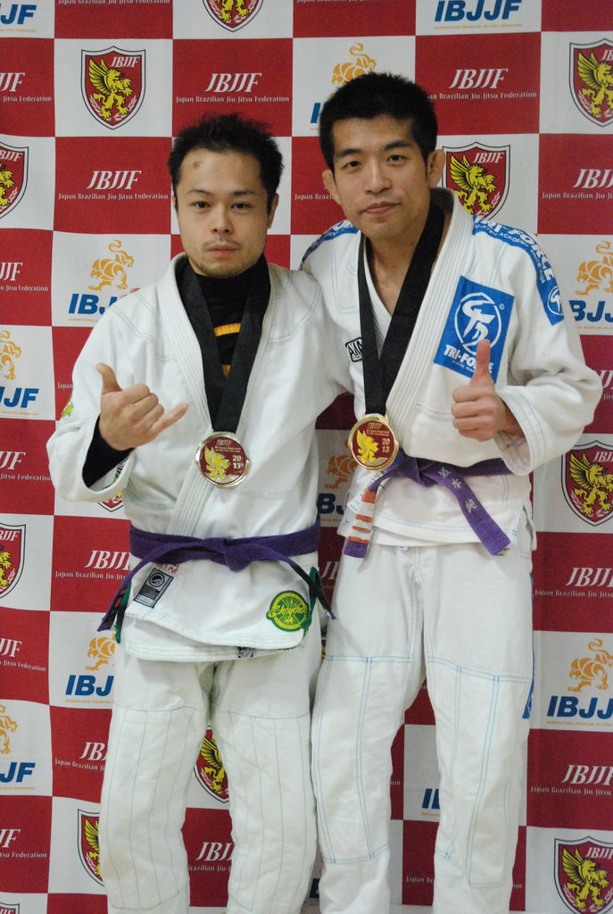2013,sin (623) アダルト紫帯ライトフェザー級優 勝:坂本純(トライフォース柔術アカ