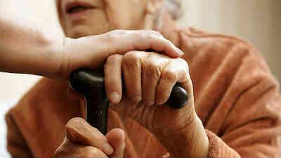 Elderly people living alone