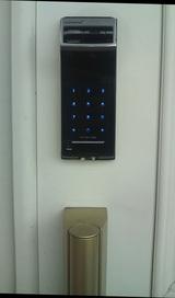 201005191玄関指紋鍵