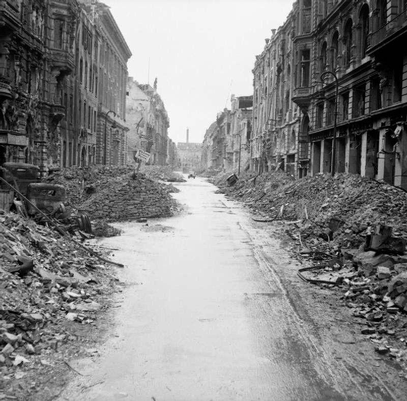 爆撃後のベルリン