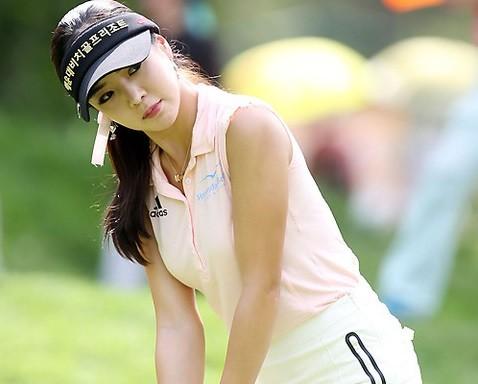 セクシーな韓国女子ゴルファー