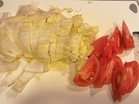 山盛り白菜とトマトのサラダ (2)