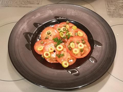 トマトとオリーブのオシャレサラダ (4)