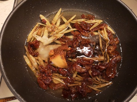 牛肉とゴボウの味噌佃煮 (6)