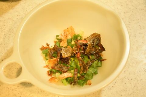 鮭のあらで炊き込みご飯 (9)