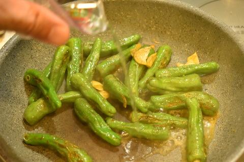 しし唐のカレー炒め (6)