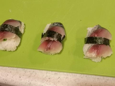 しめ鯖にぎり (12)