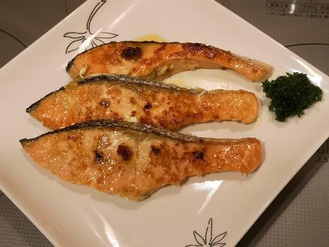 鮭のニンニク焼き (6)