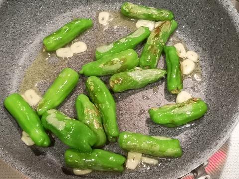 しし唐とミニトマトの温サラダ (4)