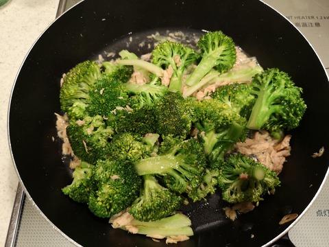 ブロッコリーとツナの塩炒め (6)