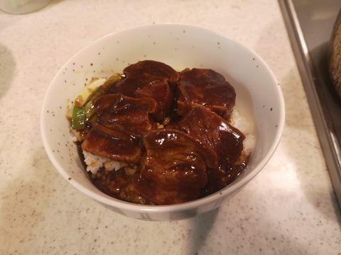 中華風角煮丼 (10)