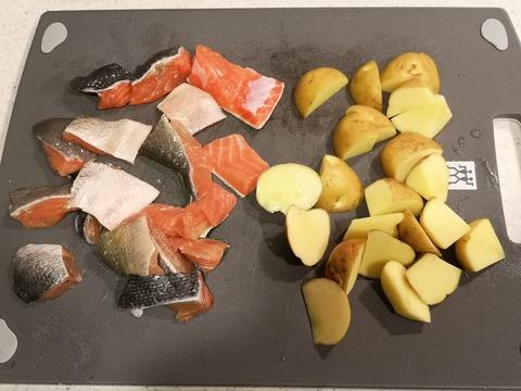 鮭とジャガイモの和風マヨネーズ和え (2)