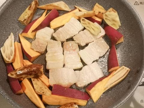 さつま芋と豚肉の炒め煮 (4)