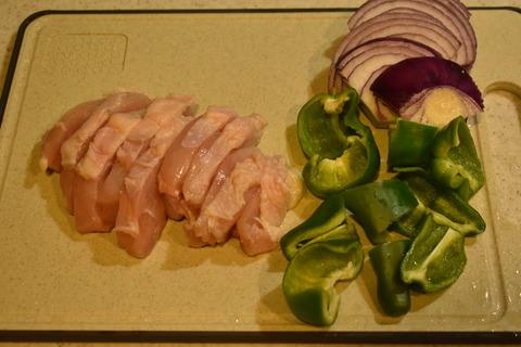鶏むね肉と紫玉ねぎのカレー炒め (3)