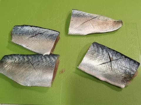 塩茹で鯖 (2)