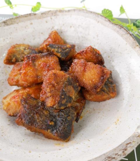 鮭の唐揚ピリ辛酢 (1)