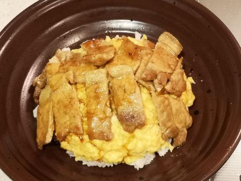 豚照り玉丼 (10)