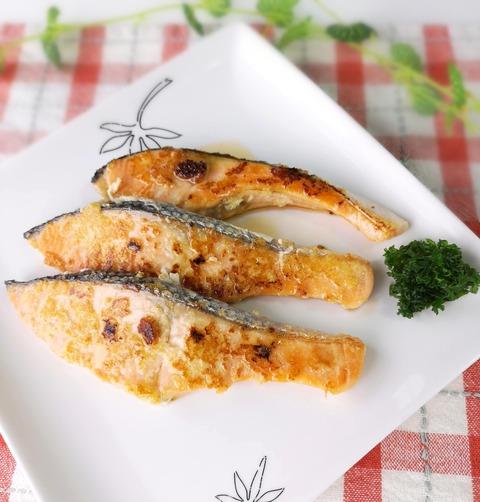 鮭のニンニク焼き (1)