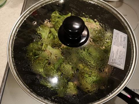ブロッコリーとツナの塩炒め (7)