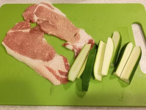 豚肉のズッキーニ巻き (2)